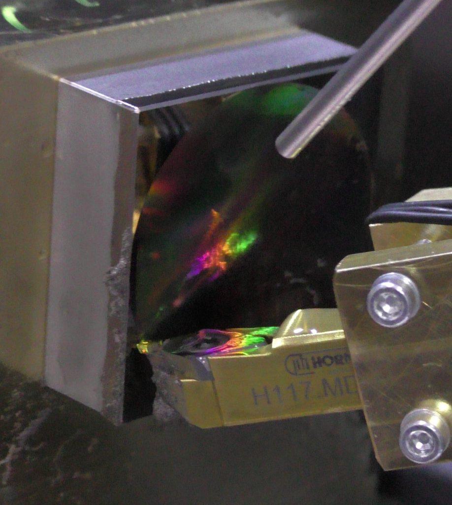 Hobeln einer diffraktiven Hybrid-Optik
